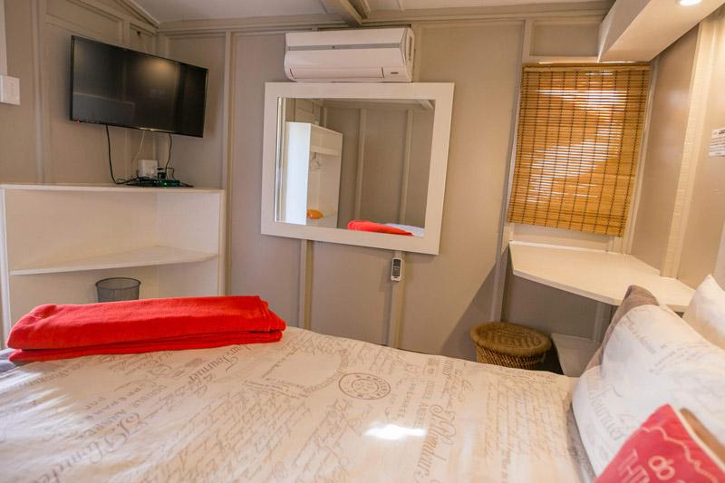 Cabin 01